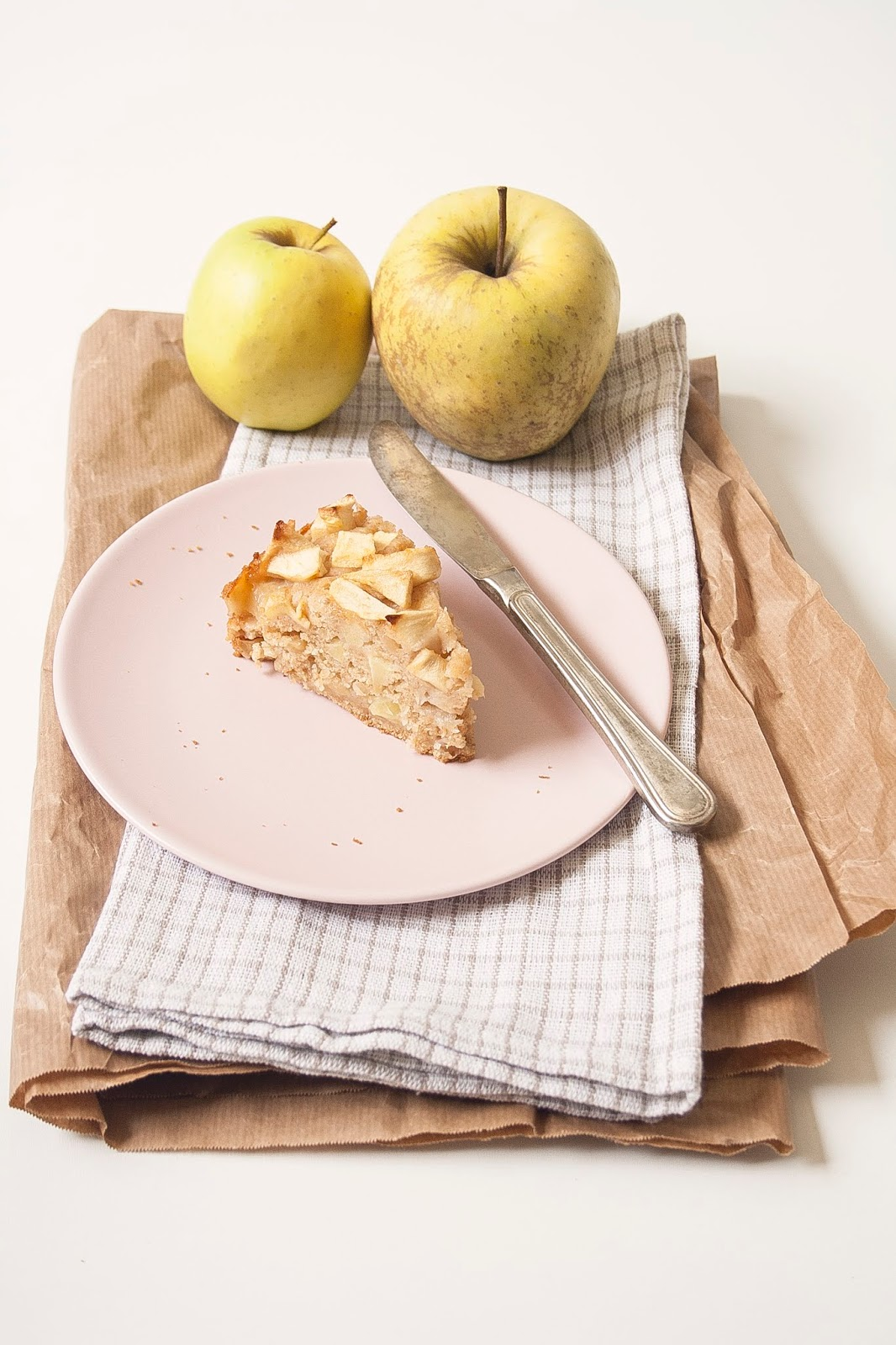 Torta di mele light senza burro e senza uova