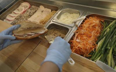 Những quán bánh mì Việt Nam ngon nức tiếng được báo Hong Kong ca ngợi