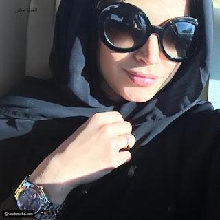 """الفاشينيستا الكويتية نهى نبيل """" الحمراني معجب سري """" والأخير يرد: """" أنا رجل متزوج """""""