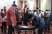 Gubernur Olly Lantik 7 Anggota KPID Sulut Periode 2021-2024