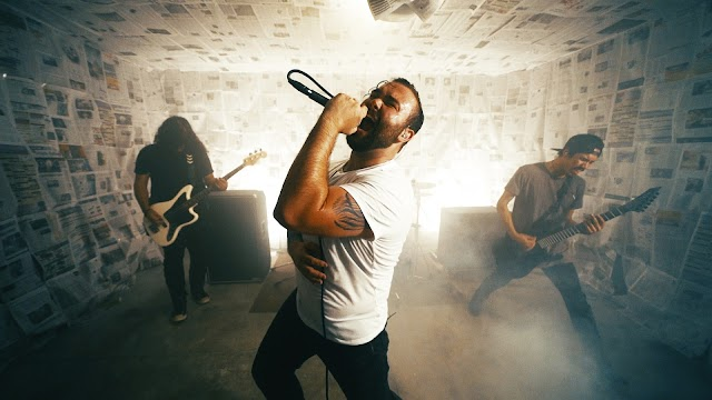 Independent Rock Band Kingdom Collapse Cracks Top 40 with 'Uprise' Single