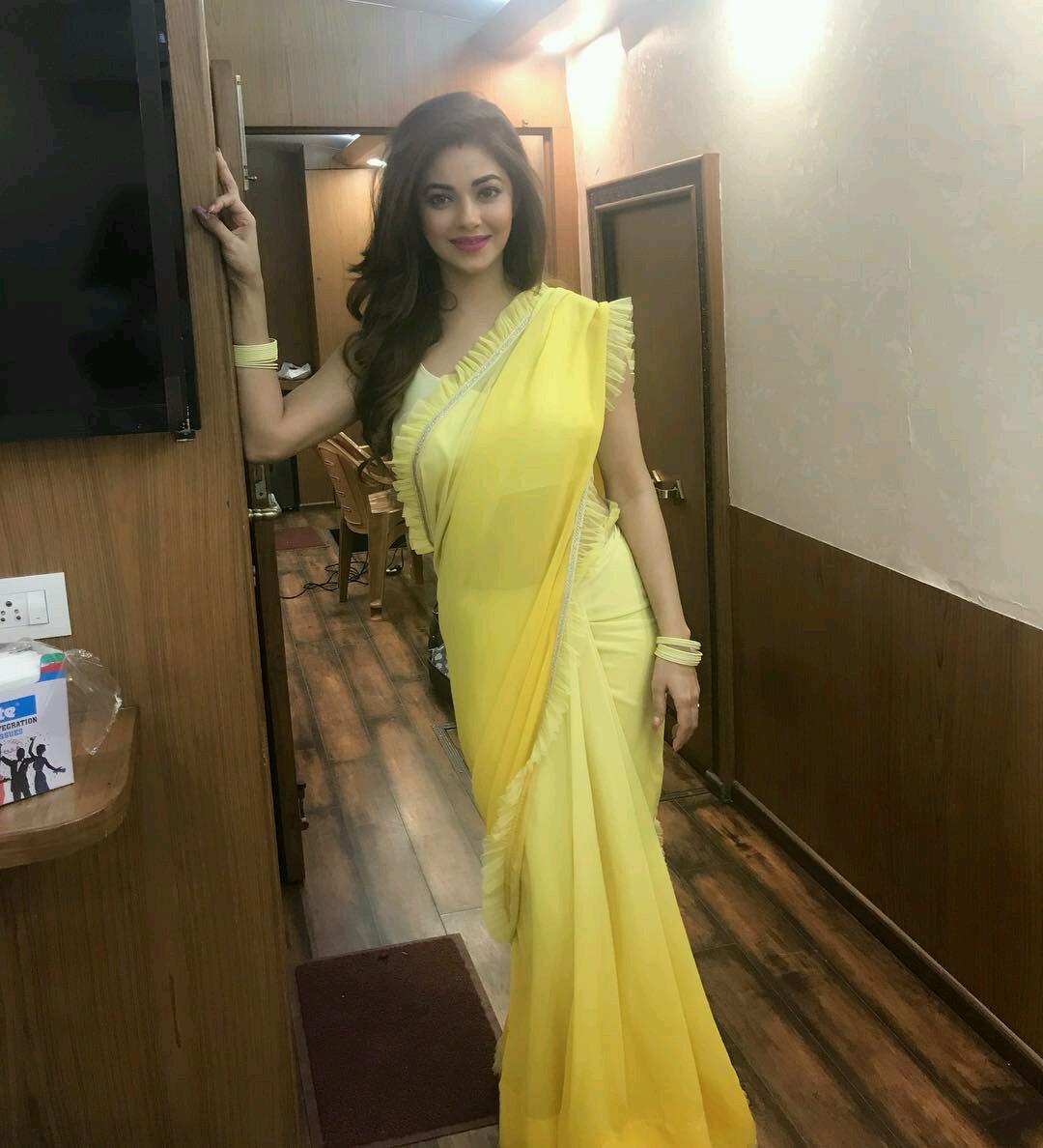 Desi Hot Beauties Girls Sexy,Hot Boobs,Thighs,Navel,Back -4263