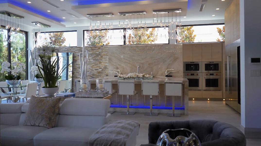 68 Interior Photos vs. 2437 Delmar Pl, Fort Lauderdale, FL Luxury Modern Mansion Tour