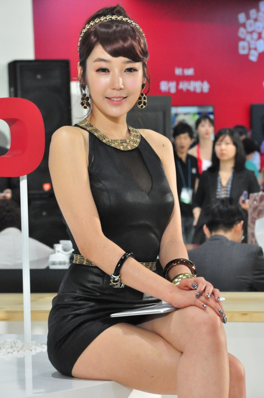 xxx nude girls: Jo Sang Hi - World IT Show 2012