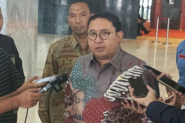 'Senewennya' Fadli Zon Komentari Aksi Presiden Jokowi Kendarai Motor Chopper...