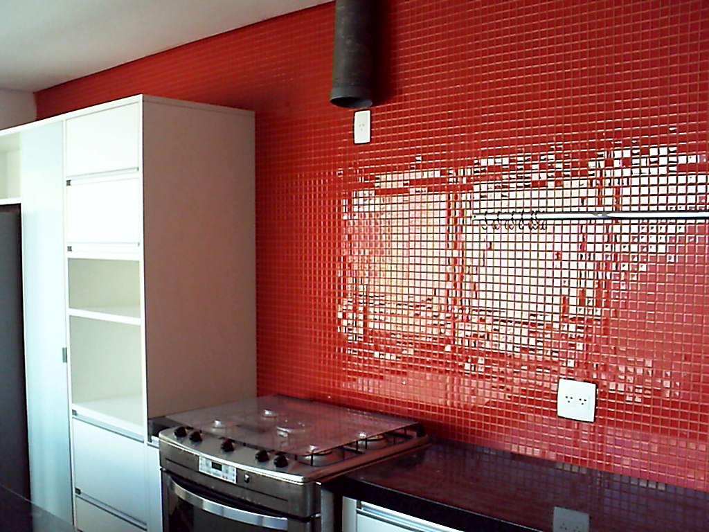 Na pastilha vermelha o rejunte é da mesma cor e é feito para  #892925 1024x768 Banheiro Com Azulejo Tipo Pastilha