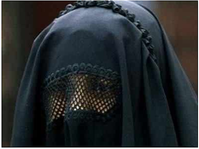 bans-burqa-for- muslim-girl-issue-hindi