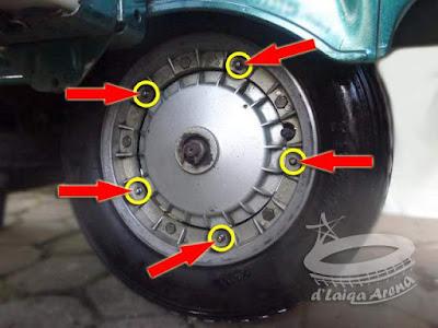 pasang roda belakang