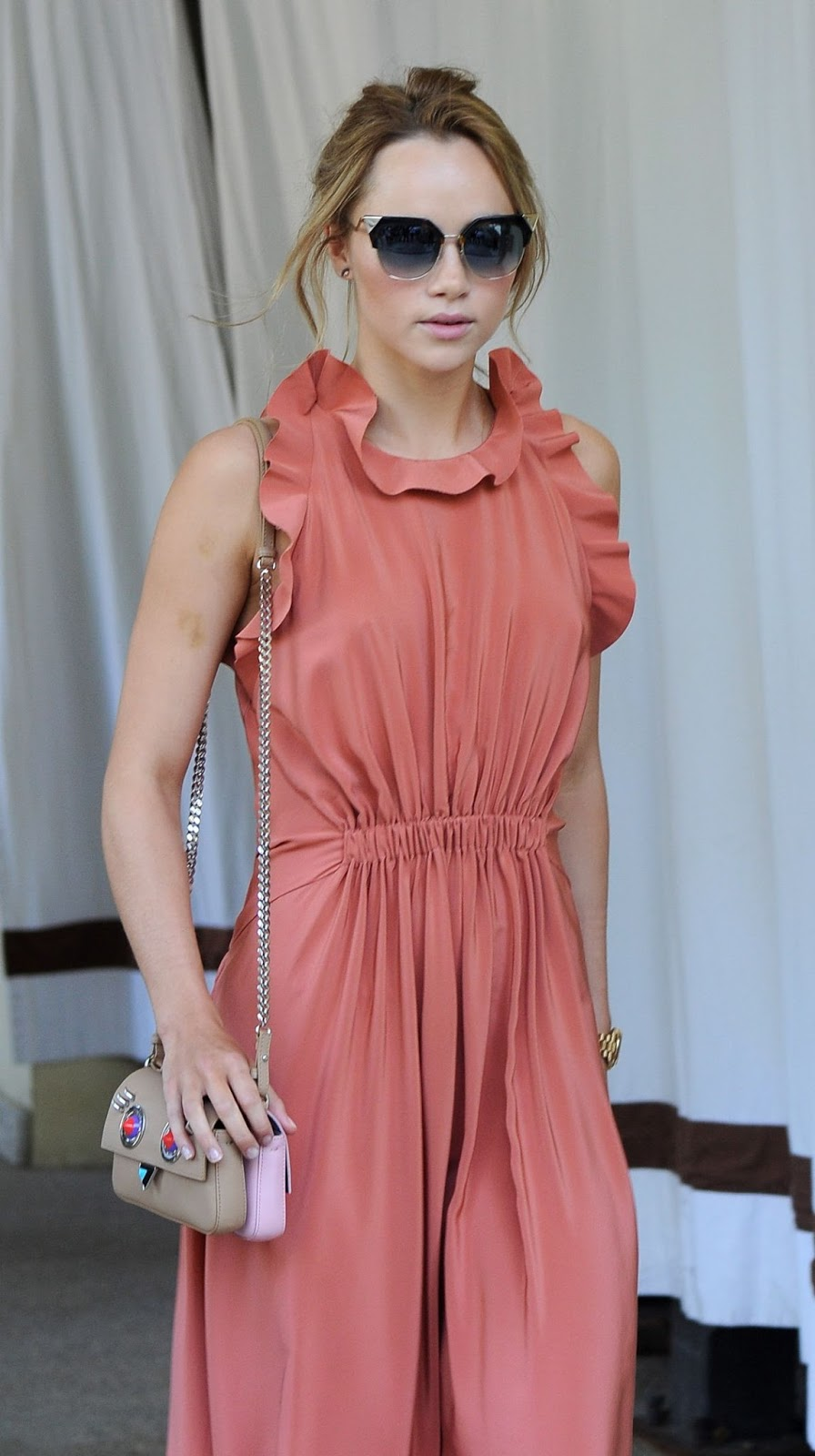 The Bad Batch actress HQ Photos Suki Waterhouse Leaves Excelsior Hotel in Venice
