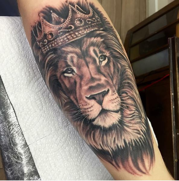 Lion With Crown Wallpaper Lion With Crown Tattoo Design: 50 Royal King Tattoos Designs And Ideas For Men (2018