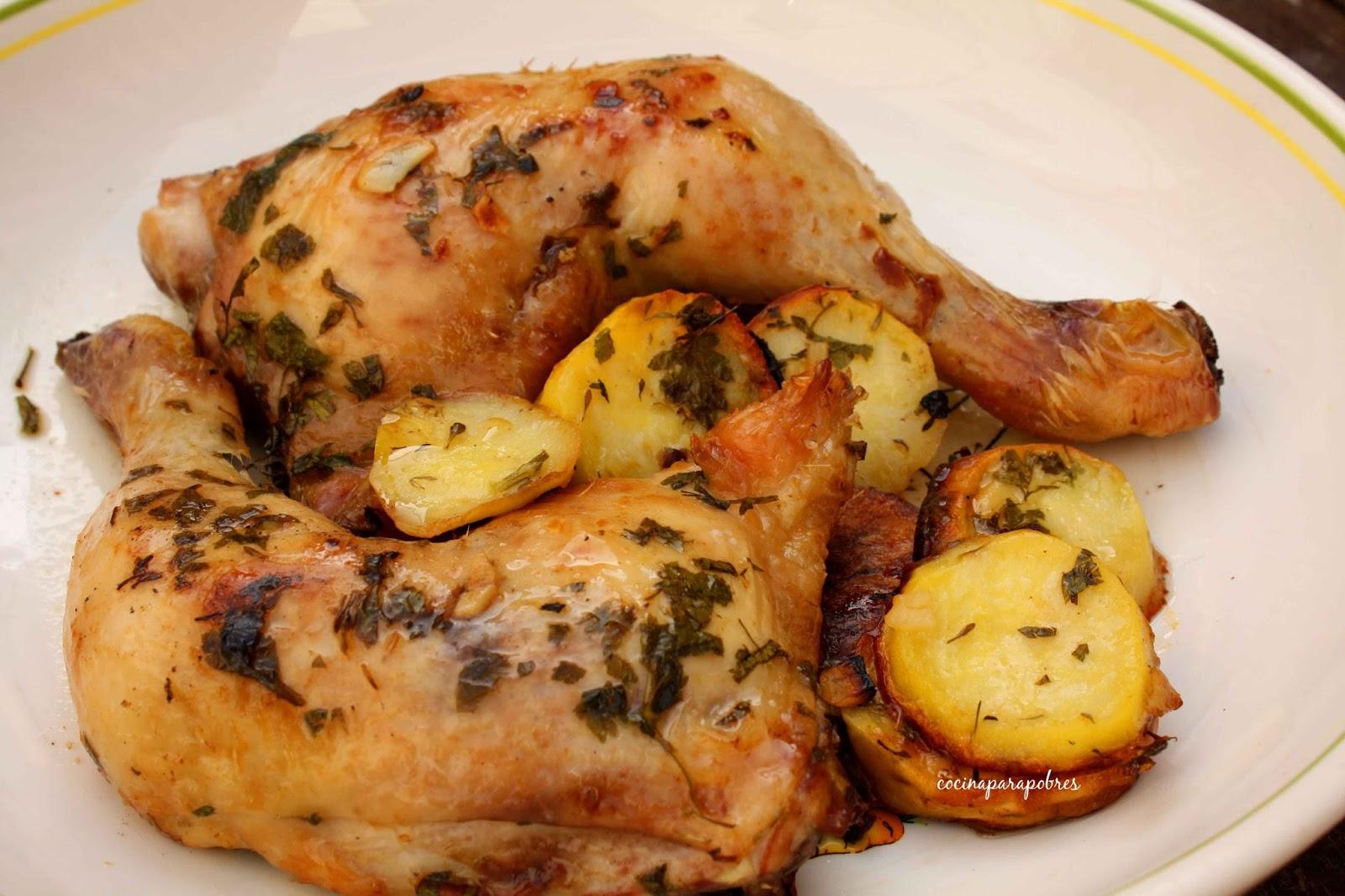 Cocina para pobres: Cuarto trasero de pollo al horno con ajo y perejil