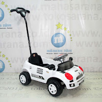 SMC628 Compact Car Ride-On Car