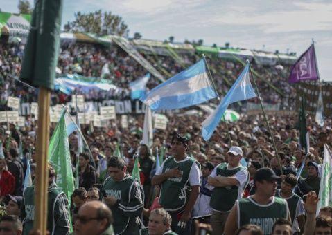 Se espera adhesión masiva de sindicatos a paro en Argentina