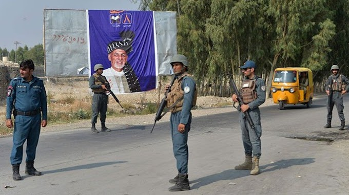 As head of the presidential election at a polling station, Afghans 15 are injured
