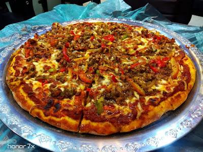بيتزا لحم