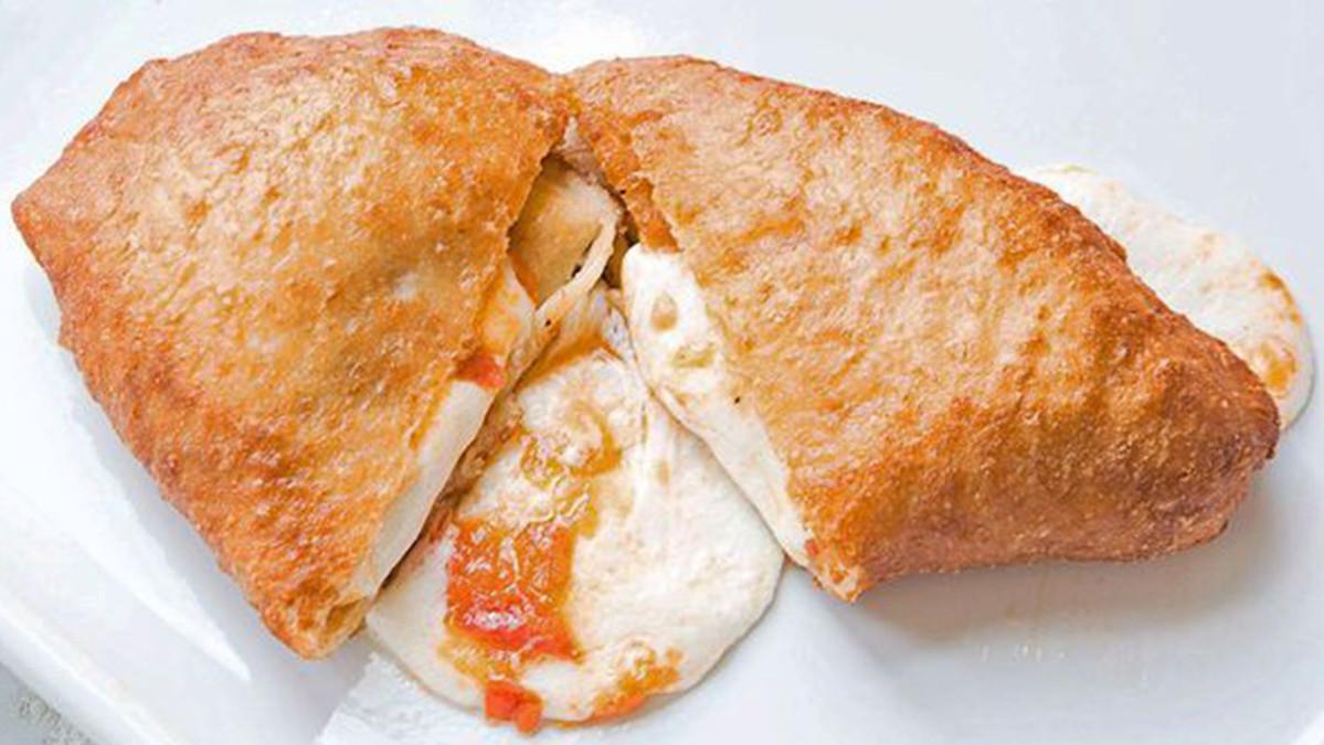 Siciliana, pizza fritta a Catania