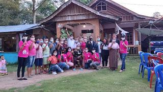 Ibu-ibu di Suka, Rt Karassik, Kelurahan Bungin