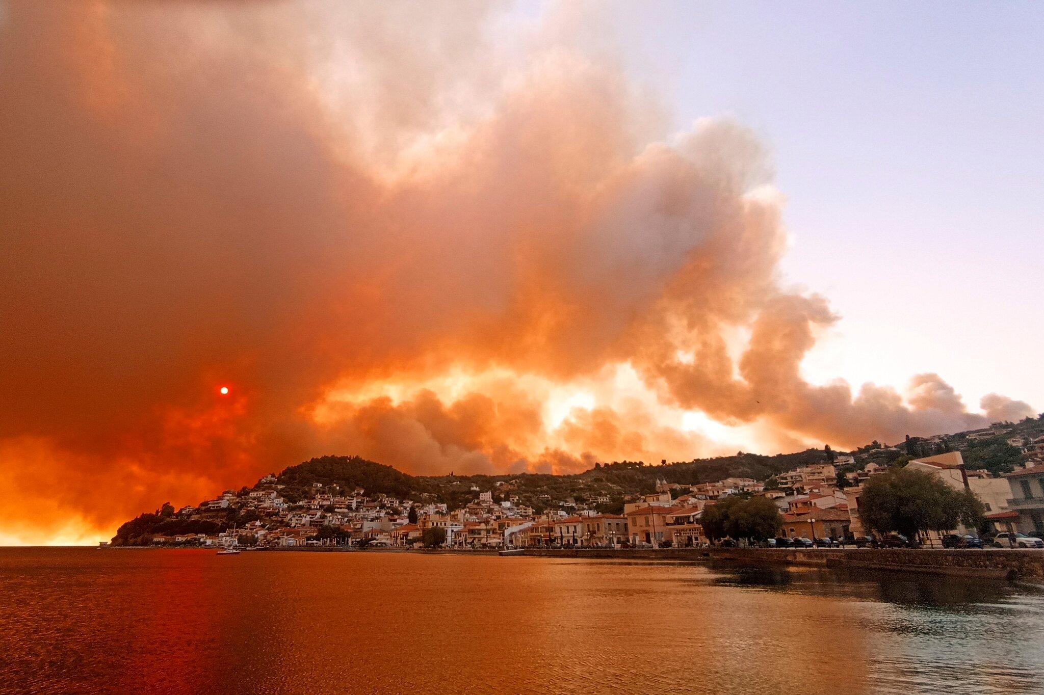 Συγκεντρώνουν δωρεές για τους πυρόπληκτους στην Ελλάδα