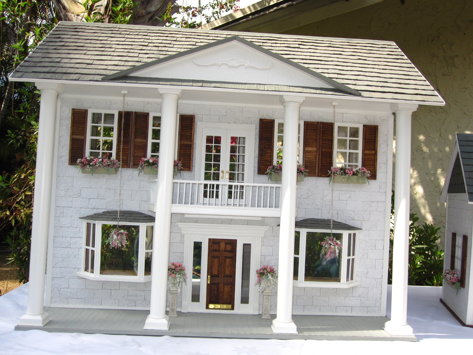 Dollhouses by Robin Carey: The Southern Mansion Dollhouse ...