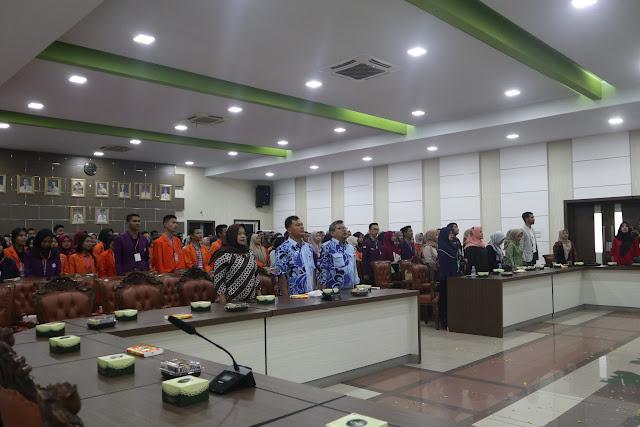 Himakesmas stikes-hi lakukan seminar nasional