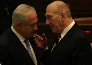 أولمرت: نتنياهو هو سبب هزيمتنا الاستراتيجية الأكبر ضد إيران