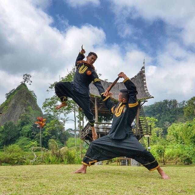 Tari Kain dari Sumatera Barat