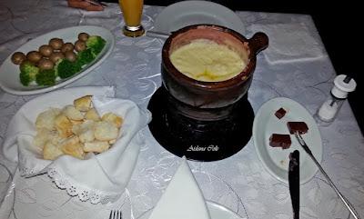 Rodízio de Fondue - Restaurante Swiss Cottage - Gramado