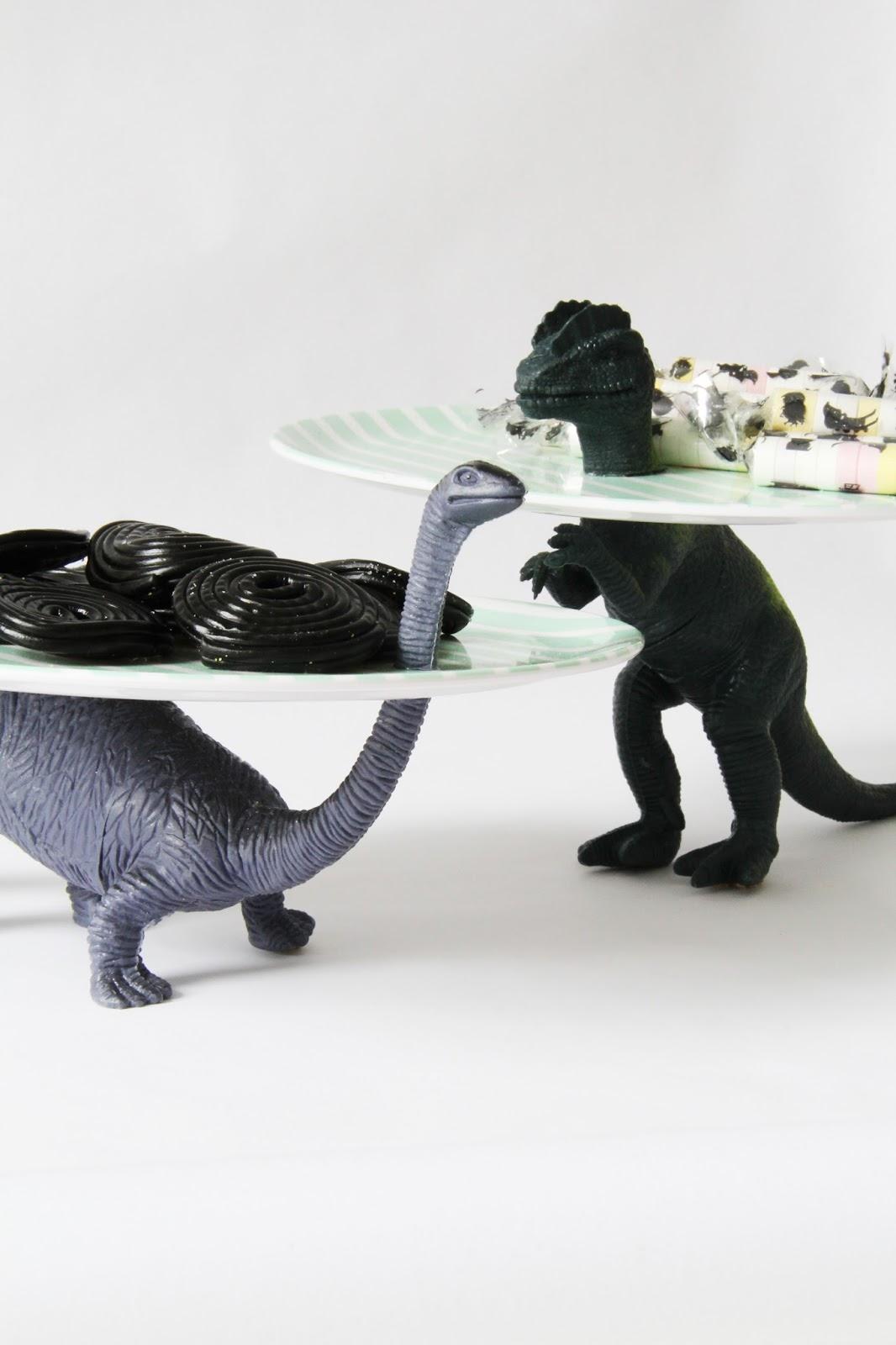 Studio mojo diy dino traktatie bord for Dino traktatie