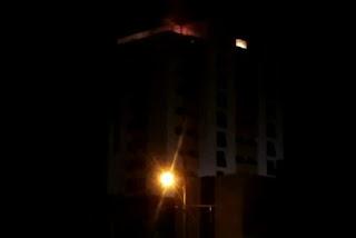 Incêndio atinge prédio de dez andares em João Pessoa; veja vídeo