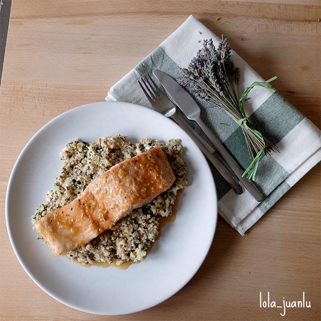 Pequeños Accidentes: Salmón a la plancha con ensalada de quinoa