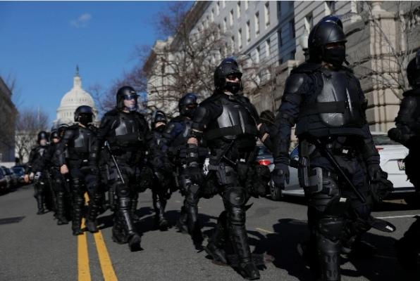 نانسي بيلوسي تشدد على أمن وسلامة النواب وسط الاضطرابات المتزايدة بداخل الكونجرس