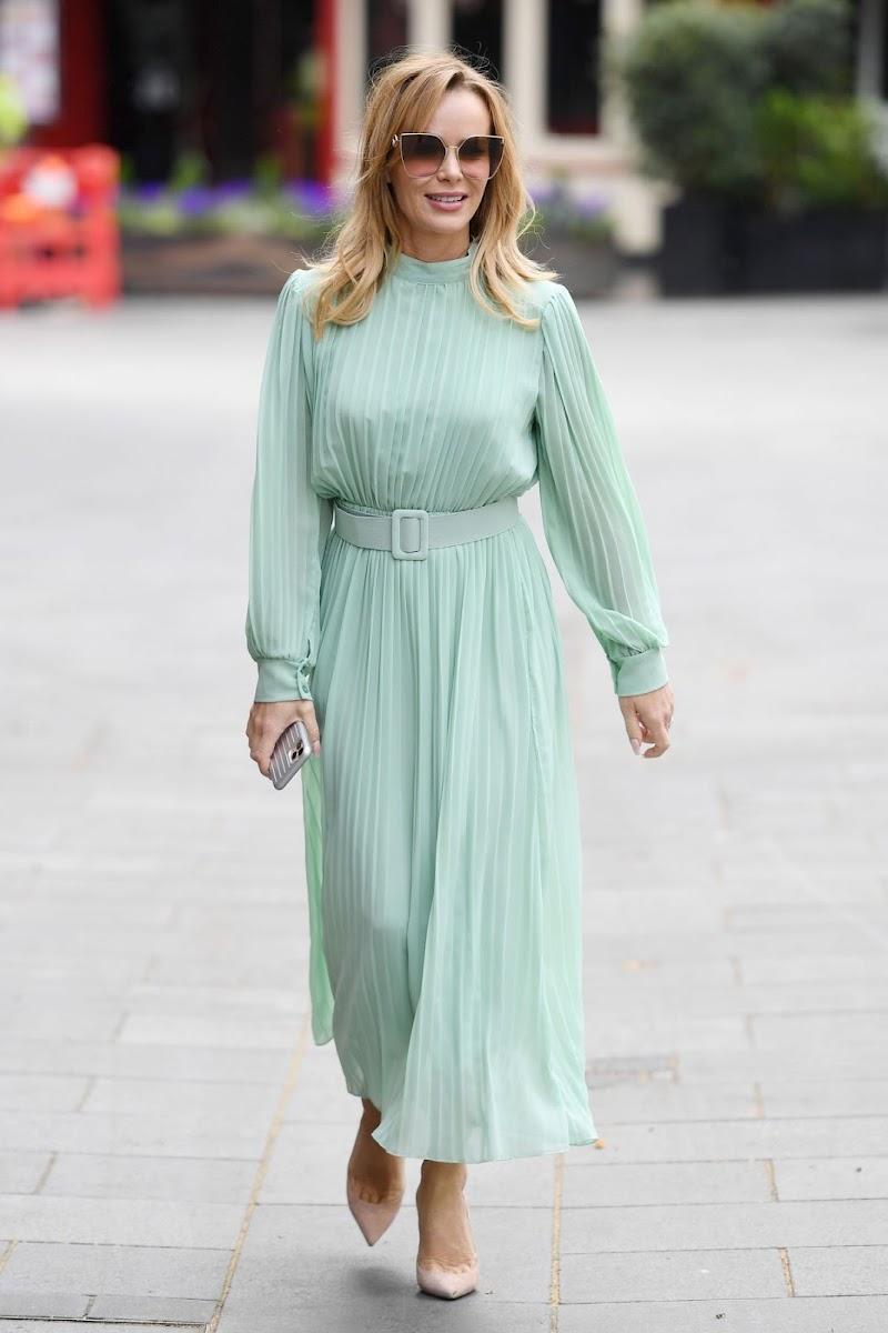 Amanda Holden  Arrives at Heart Breakfast Show in London 17 Apr-2020