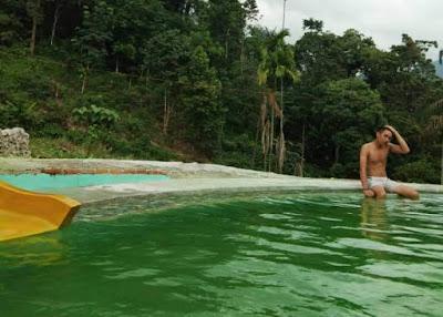 pemandian kolam air panas tiga rasa bukit munthe