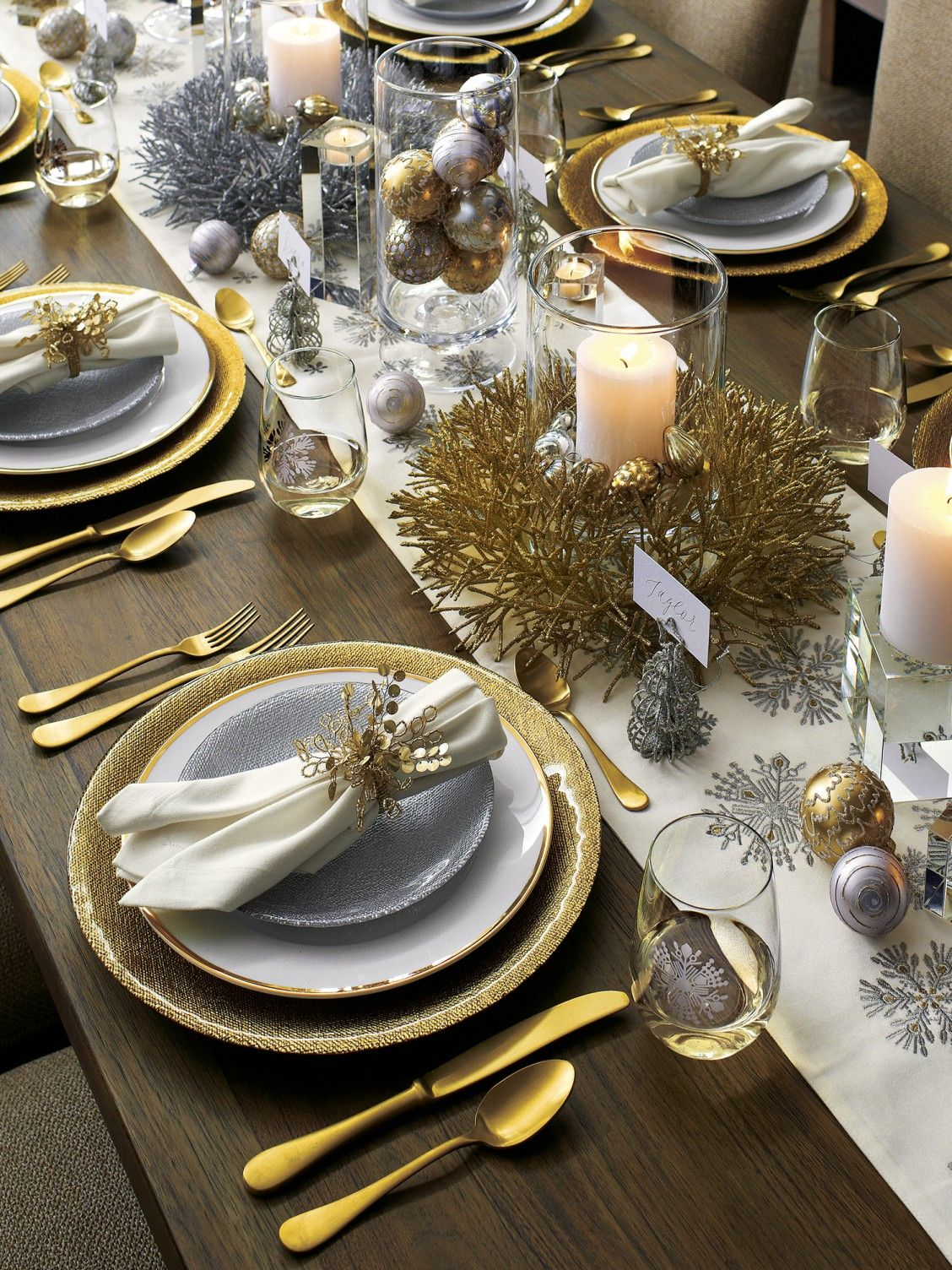 how to decorate your dinner table for New Year Eve