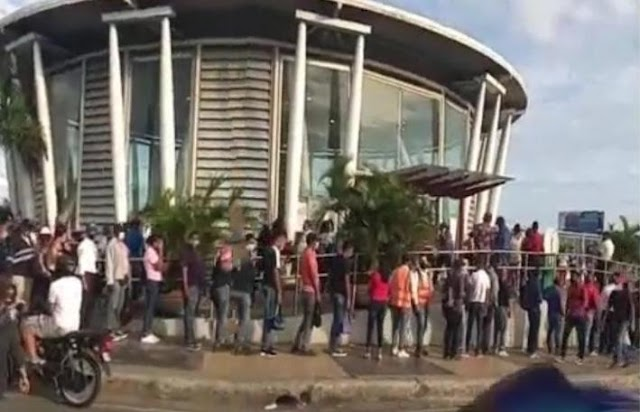 Esperan nuevo decreto de toque de queda acaben con las largas filas en el Metro