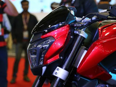 Bajaj Dominar 400 close up image