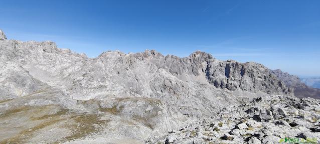 Vista desde la Padiorna hacia la zona de Peña Vieja