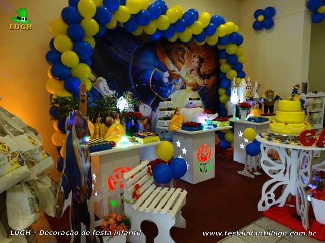 Decoração festa de aniversário A Bela e a Fera - Mesa de festa infantil