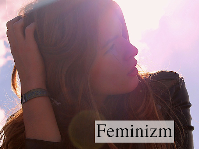 dziewczyna, słońce, słowiańszczyzna, słońce, równość, kobiecość; źródło: Unsplash