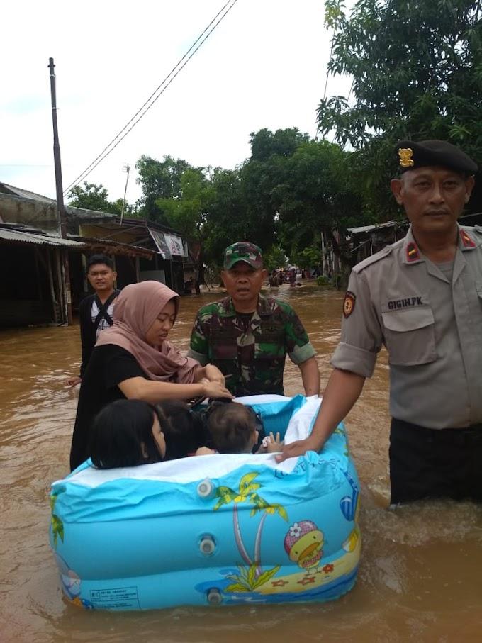 Menengok Kenangan Indah  Danramil 06/Setu Saat Evakuasi Banjir