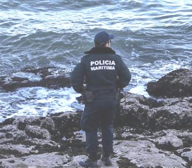 Corpo de homem encontrado junto às rochas a sul da praia de Parede