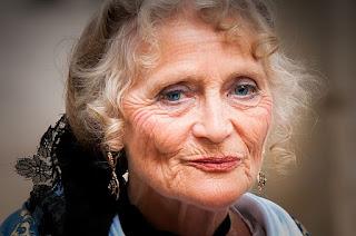 wanita tua kulit berkerut kolagen kurang