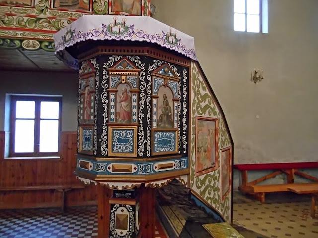 kościół w Pogorzeliskach, modlitwa, wystrój