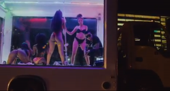 Tekno-Agege-video-strippers-03
