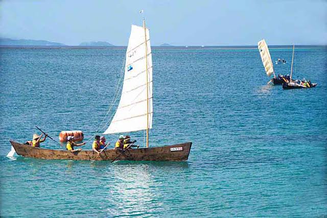 3 sabani boats, race