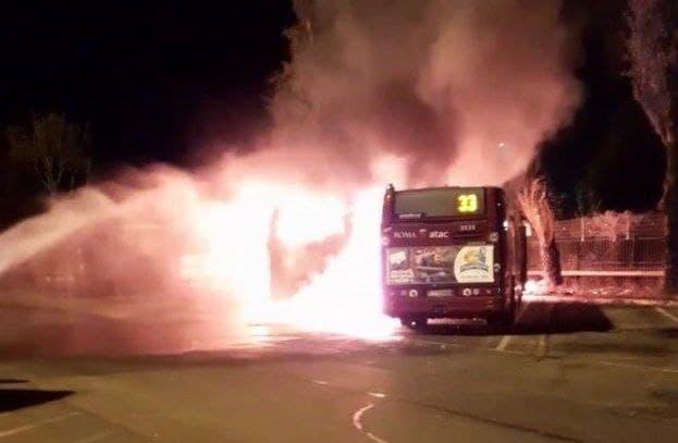 Atac: incendio nella rimessa di Grottarossa. Distrutti tre bus