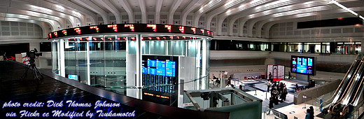 Tokyo Stock Exchange 東京証券取引所 photo credit by Dick Thomas Johnson