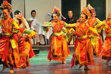 Tari Lenggang Nyai Dasimah Tarian Tradisional Betawi DKI Jakarta