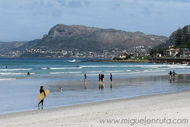 Playa-Muizenberg-False-Bay-Sudáfrica