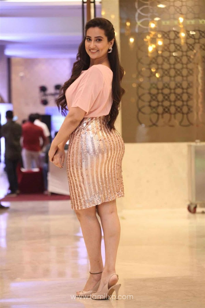 Telugu Anchor Manjusha Stills